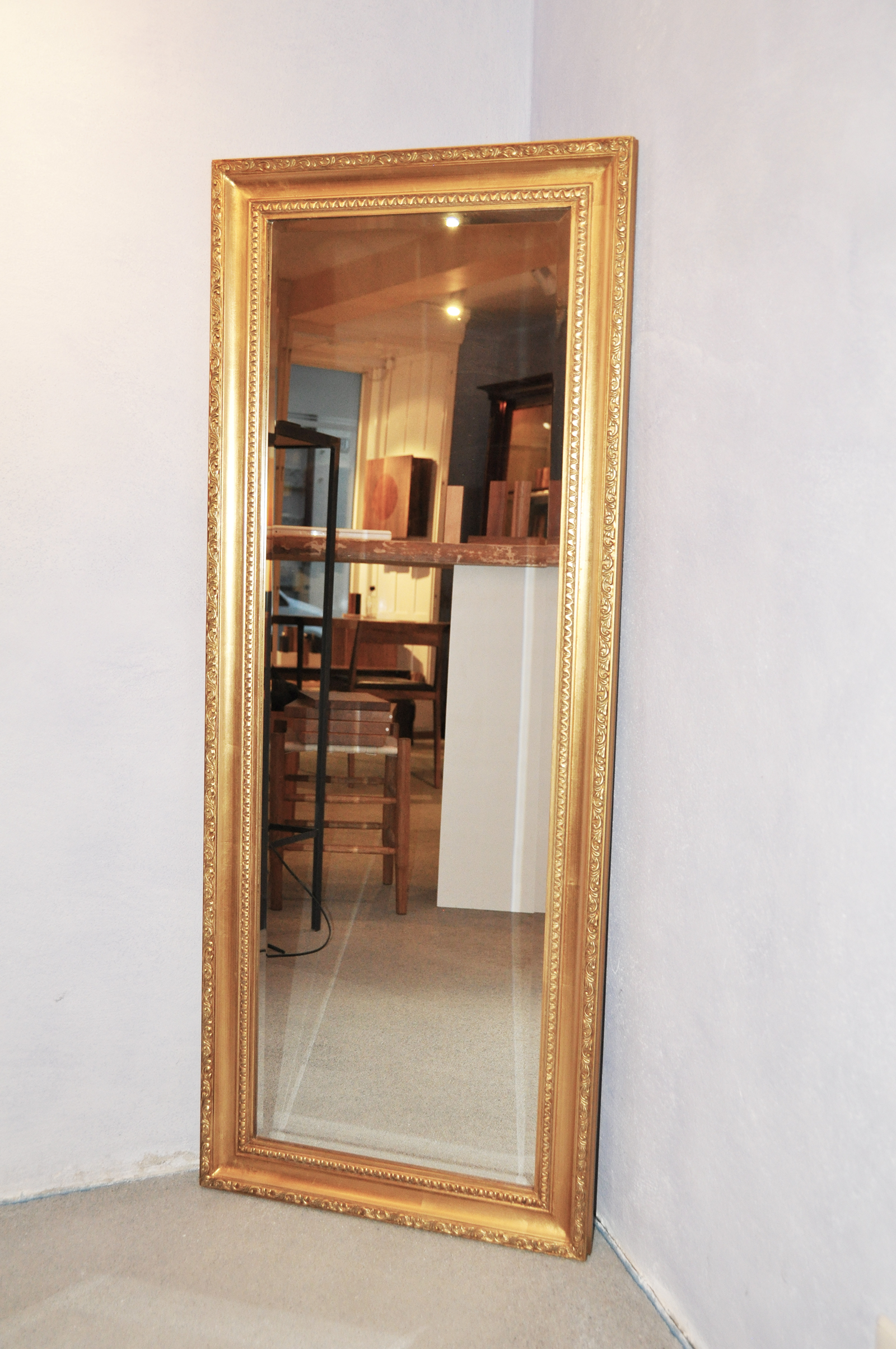 Wandspiegel antik goldspiegel stilspiegel 134x54cm gold for Spiegel mit bildschirm